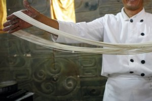 Culture-China-Cooking-Man-with-noodles-md